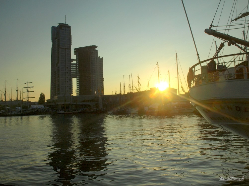 Sea_Towers20090702_13_01